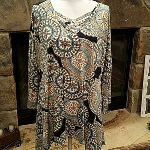 Like new Tunic Style Top in XL